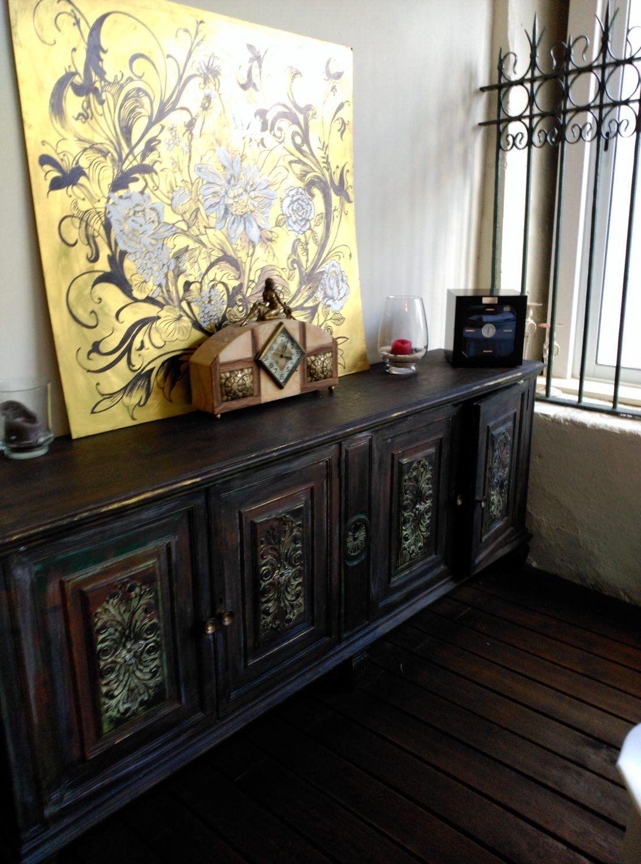 Mueble recuperado y pintado a mano. Inma Gregori 20105.